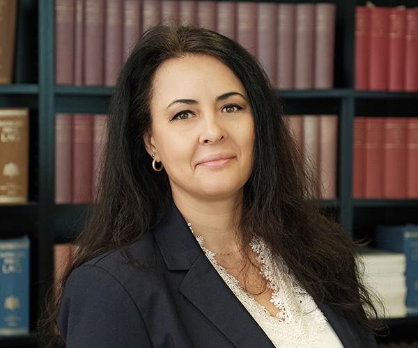 Advokat Canela Skyfacos på Advokatbyrån Limhamnsjuristen